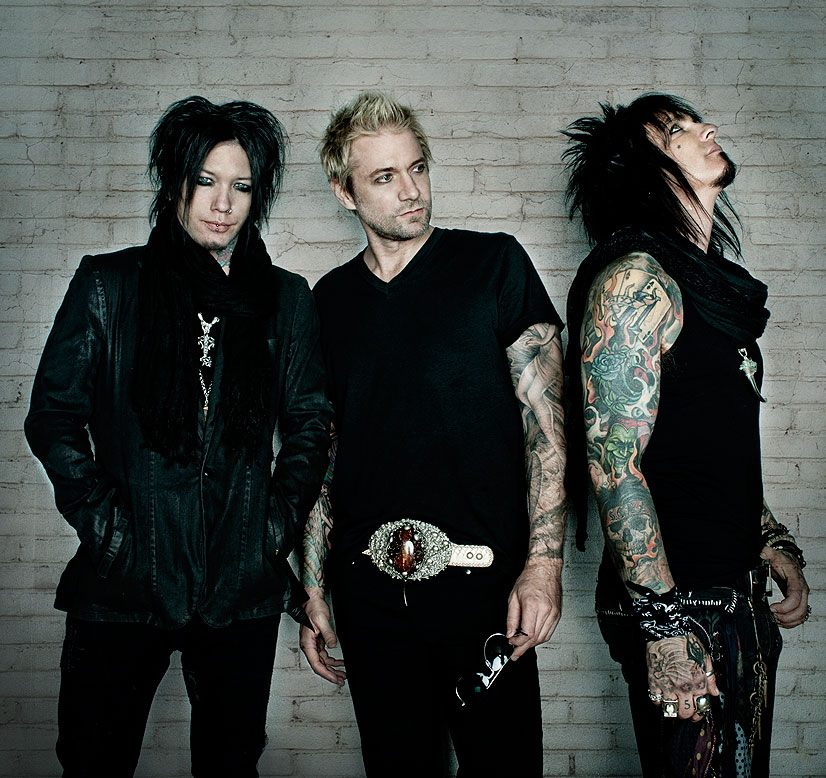 "SIXX:A.M.'s new video ""Are You With Me Now"" live worldwide"