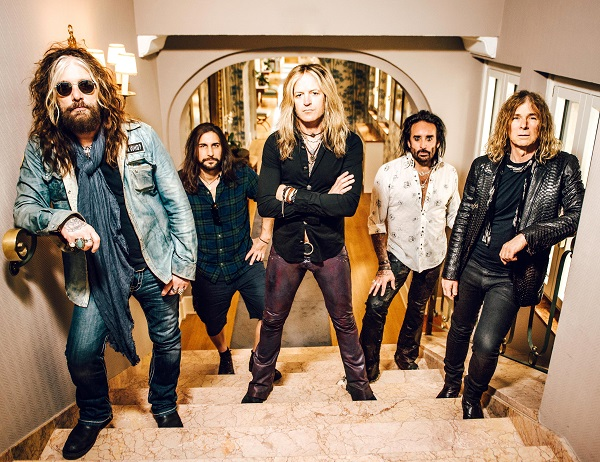 Rock Reviews dirt image: http://maytherockbewithyou.com/mtrbwy/wp-content/uploads/2016/04/The-Dead-Daisies-2016-Groupshot-HiRes.jpg