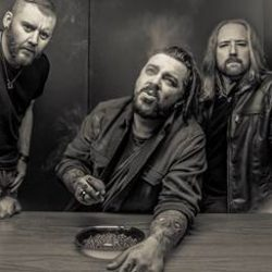 SEETHER Returns With Ferocious New Album 'Poison The Parish'