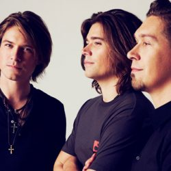 HANSON Bring 'Middle Of Everywhere' 25th Anniversary World Tour To Australia This June