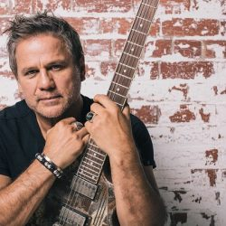 JON STEVENS announces his highly anticipated 'Starlight' Australian Tour with very special guest Kate Ceberano