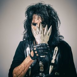 ALICE COOPER Releases Limited Edition Breadcrumbs EP + Touring February