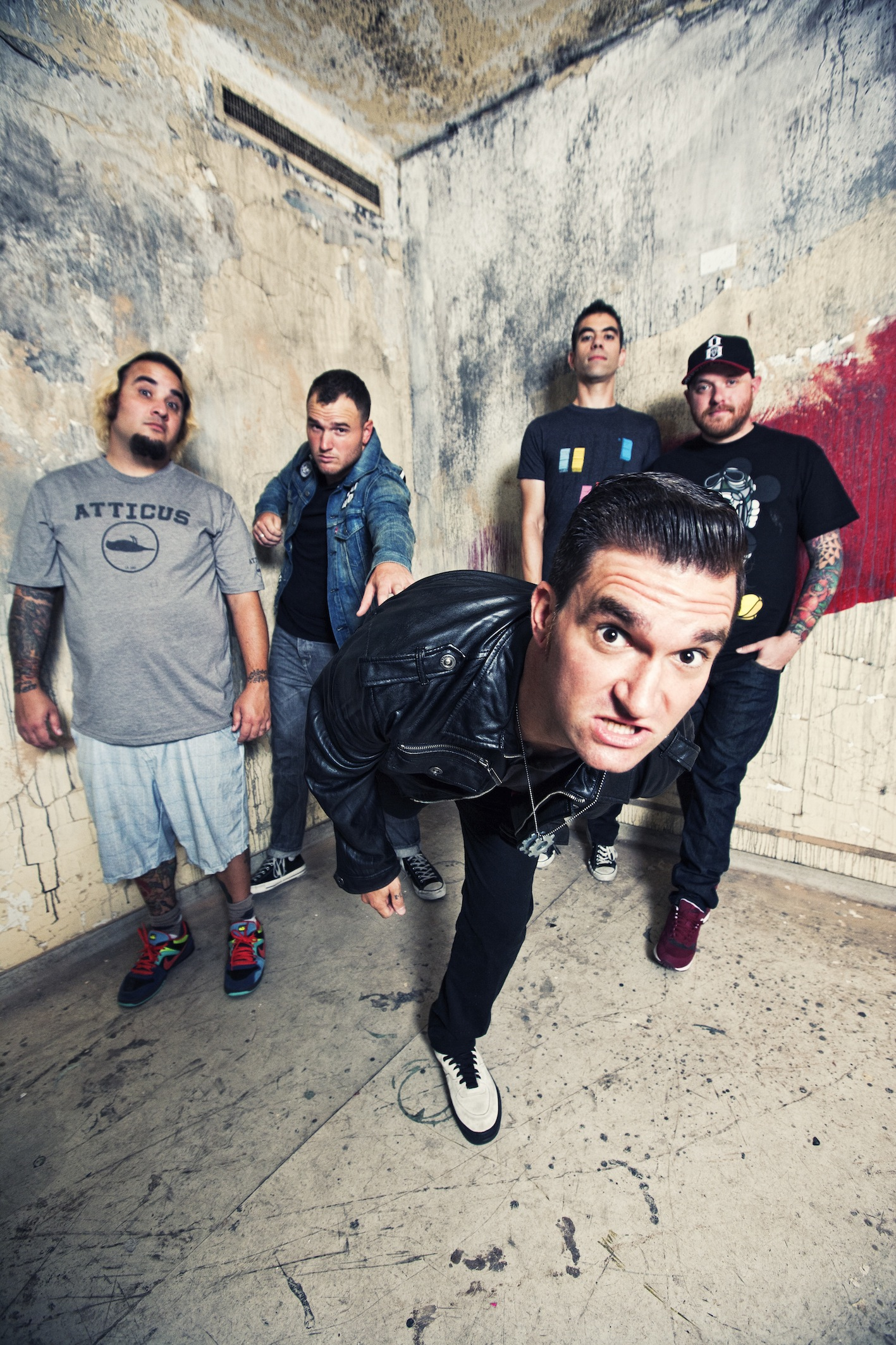"New Found Glory premiere new video ""Summer Fling, Don't Mean A Thing"""