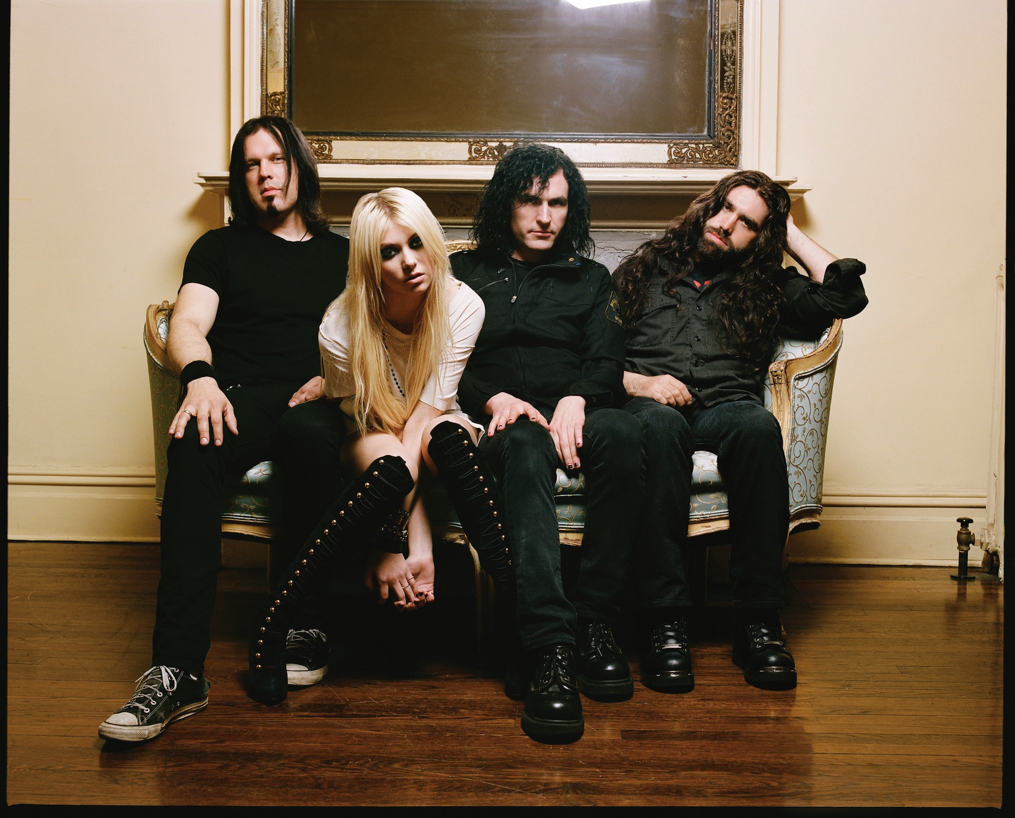 The Pretty Reckless & Heroes For Hire Sidewaves announced!