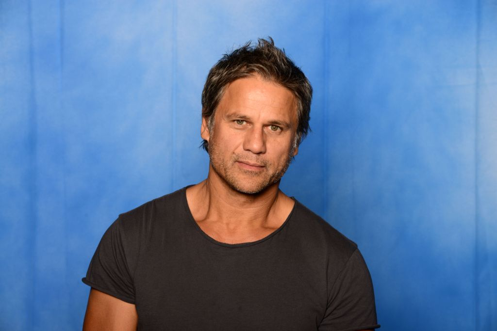 Jon Stevens – Long Way To The Top