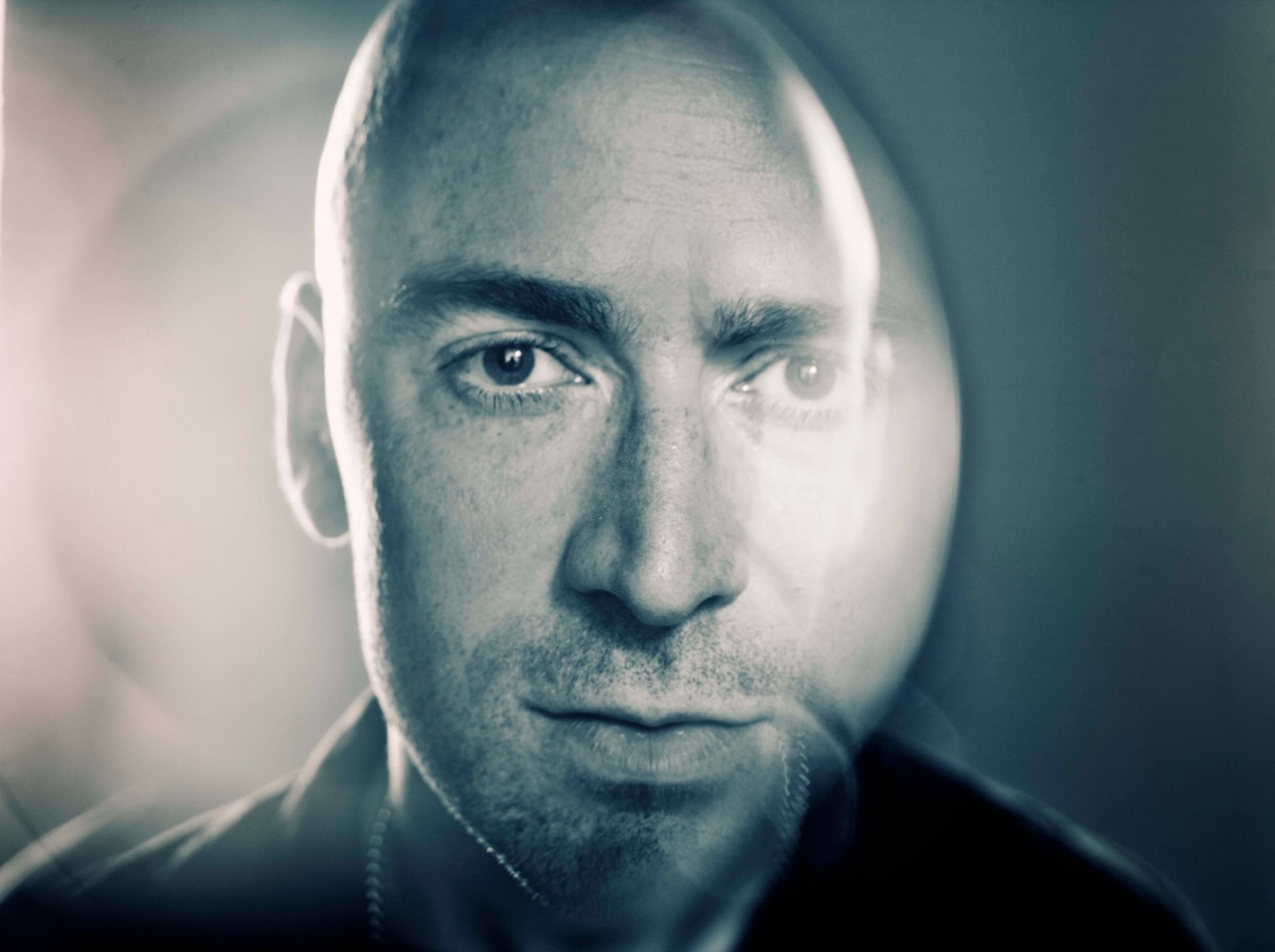 ED KOWALCZYK performing 'Throwing Copper' & more LIVE