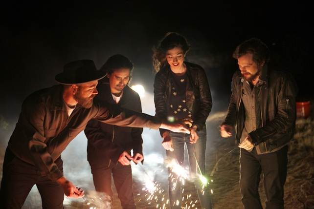 SILVERSUN PICKUPS release new single and announce new album
