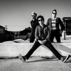 GREEN DAY announce new studio album 'Revolution Radio' out October 7