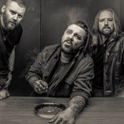 SEETHER Returns With Ferocious New Album 'Poison The Parish'