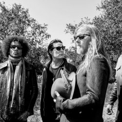 ALICE IN CHAINS To Release 'Rainier Fog' On August 24 – New Track 'So Far Under' Out Today