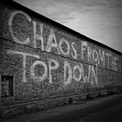 STEREOPHONICS Unveil Brand New Song 'Chaos From The Top Down'