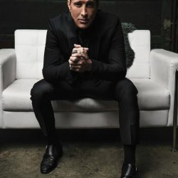 SCOTT STAPP Releases First Single, 'Purpose For Pain' From New Album, 'The Space Between The Shadows' Out July